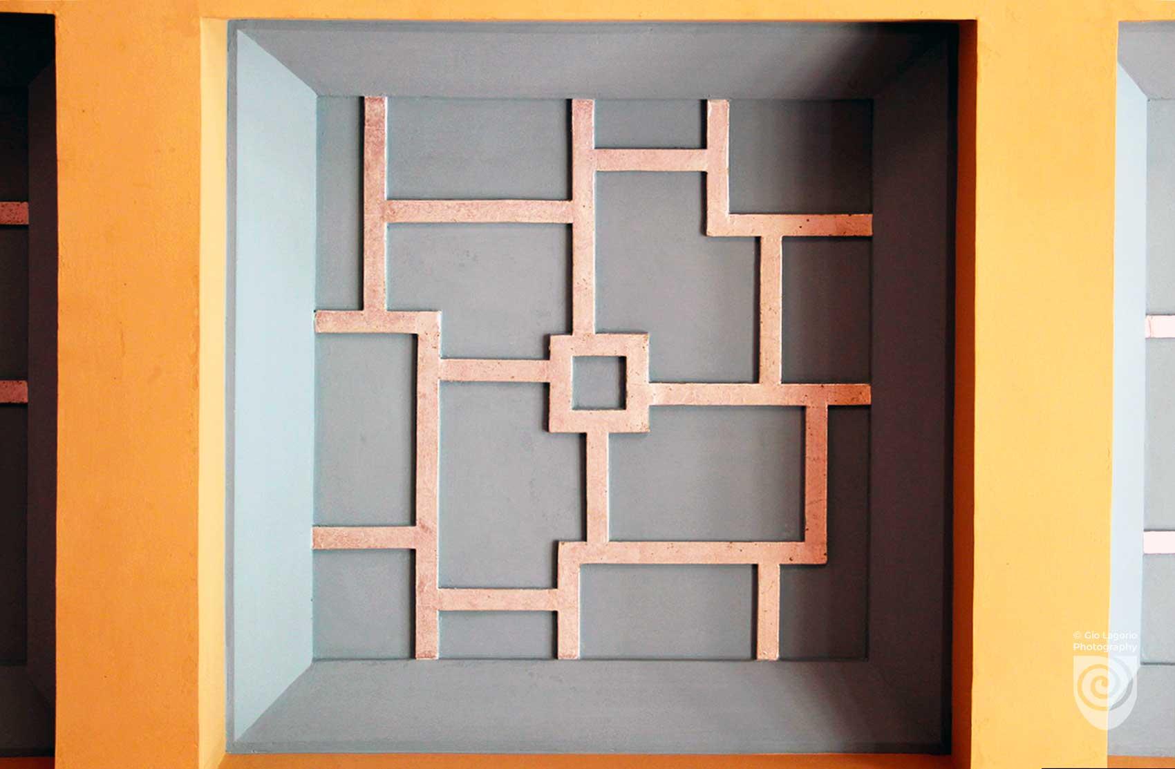 Dettaglio del soffitto a cassonetto del salone