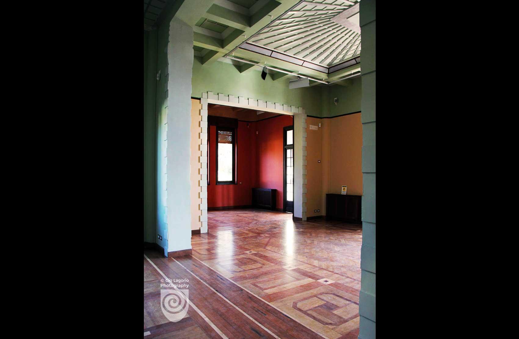 Sala attigua al salone con soffitto a raggiera