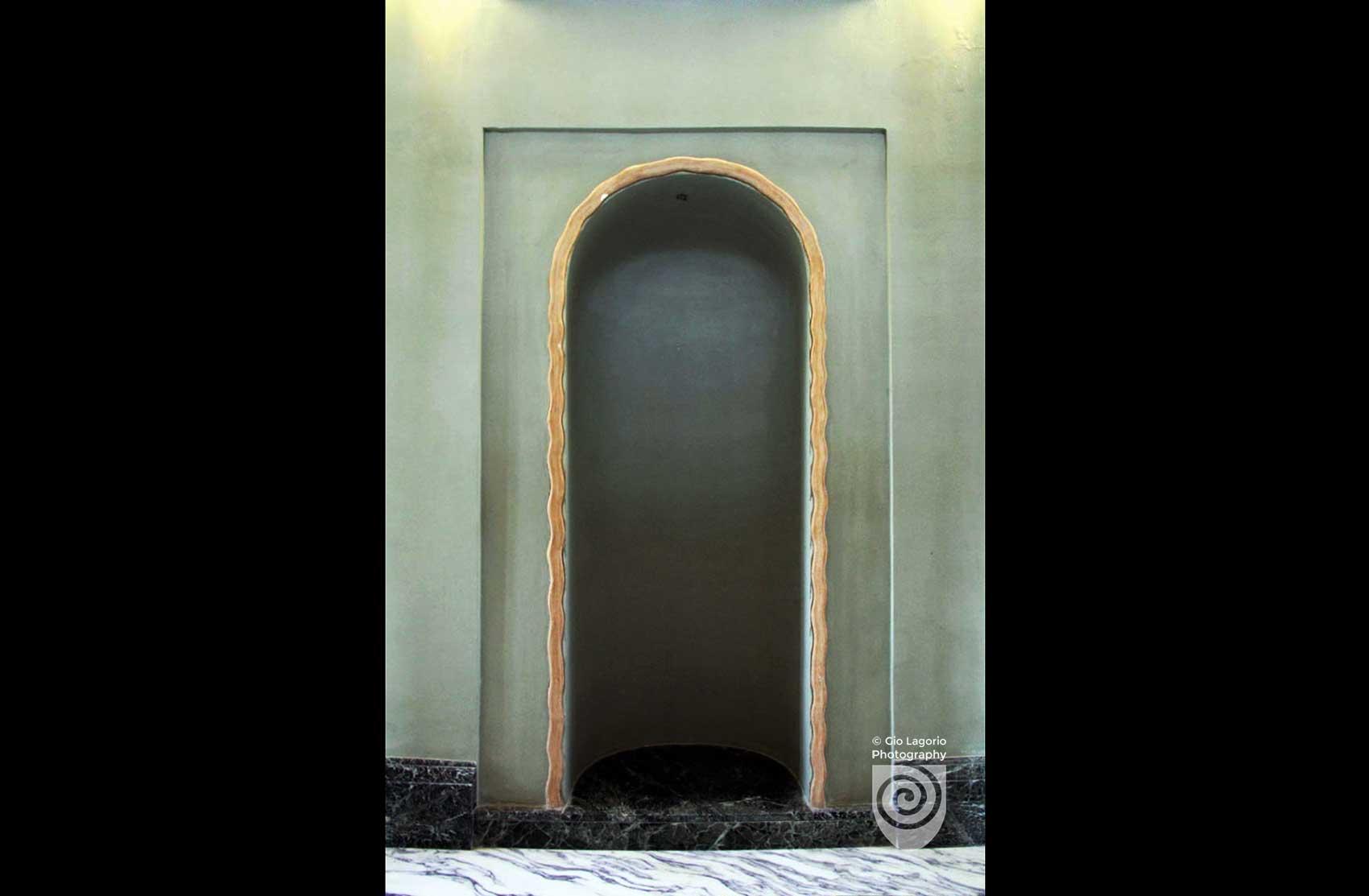 Nicchia disposta nella parete del pianerottolo