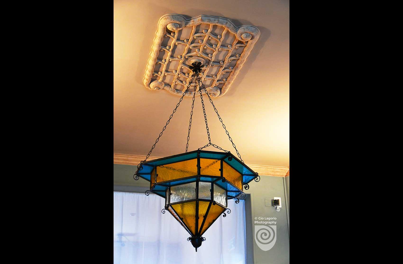 Fregio al soffitto dello androne delle scale