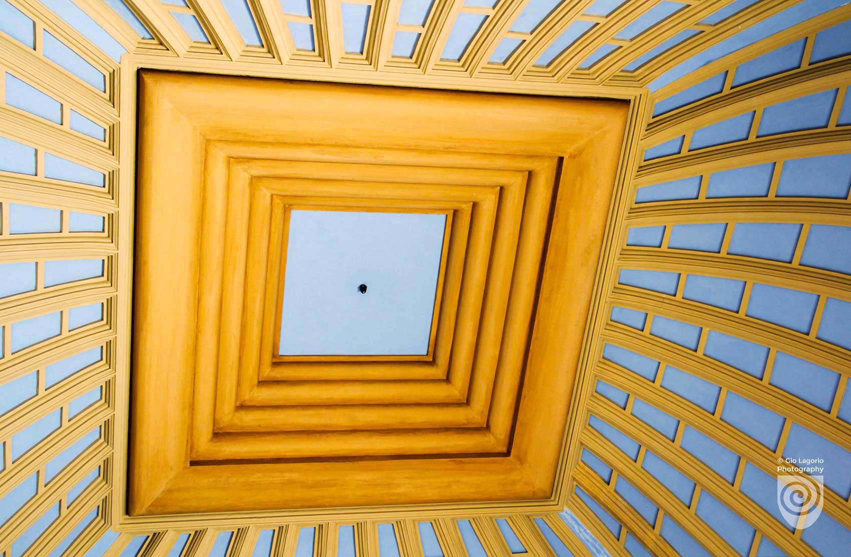 Particolare del soffitto a cupola della sala della torre